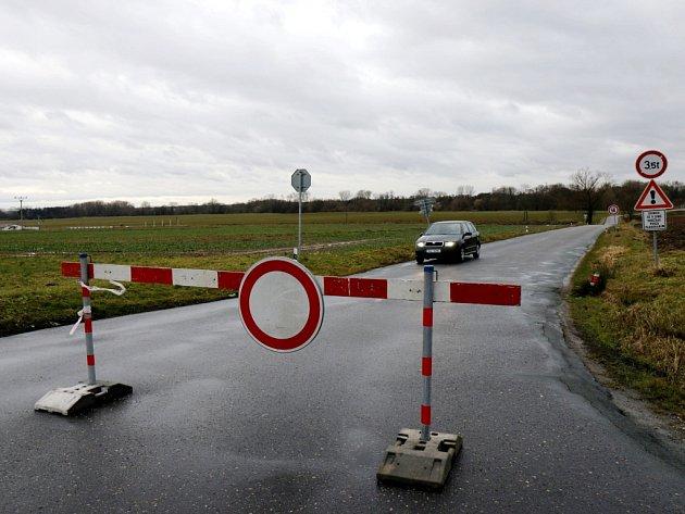 Dočasná uzavírka silnice mezi Vysokou nad Labem a Opatovicemi nad Labem.