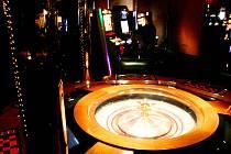 Hráči mají v Hradci zhruba na sto místech k dispozici přibližně tisíc výherních automatů, sto elektronických terminálů a pětadvacet rulet. Radnice už další herny odmítá.