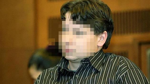 """""""Nic jsem neudělal, je to msta za moji tvrdší výchovu,"""" tvrdí osmadvacetiletý Jiří T. Hrozí mu 12 let."""