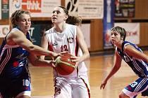 Basketbalistky Hradce Králové během přípravnéího turnaje Velká cena Tepelného hospodářství HK.