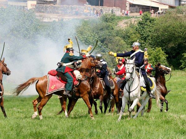 Rekonstrukce rakousko-pruské bitvy na Chlumu uHradce Králové zroku 1866.