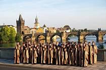 Český chlapecký sbor během hostování v hlavním městě Praze.