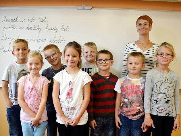 Základní škola Prasek - žáci 1.třídy.