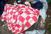 Záchrana života promočeného a podchlazeného bezdomovce.