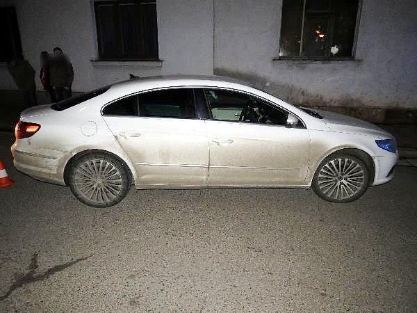 Střet osobního automobilu schodcem vnovobydžovské Revoluční ulici.