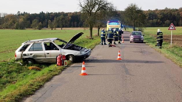 Havárie osobního automobilu u Lužce nad Cidlinou.
