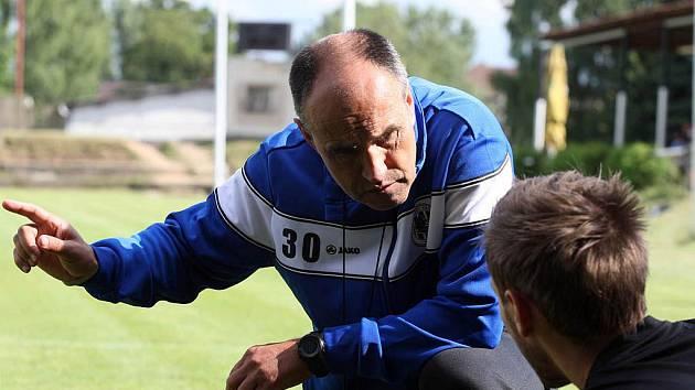 Kouč Václav Kotal na tréninku