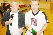 Šampáňo Cup v předměřické sportovní hale - nejlepší hráč Roman Kyral (Omnirecord).