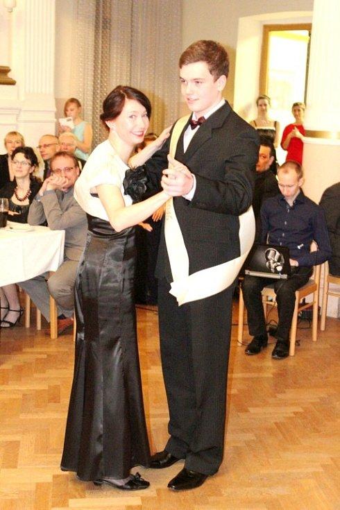 Reprezentační ples Centra Sion v Hradci Králové.