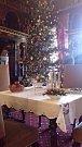 Vánoce na Hrádku u Nechanic vstoupily už do svého 25. ročníku. Slavnostní výzdobu panského domu si lidé mohou prohlédnout až do 10. prosince. Foto: Jan Horejš
