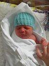 JAN CHUDOBA poprvé spatřil světlo světa 12. října. Po porodu měřil 51 cm a vážil 3330 gramů.