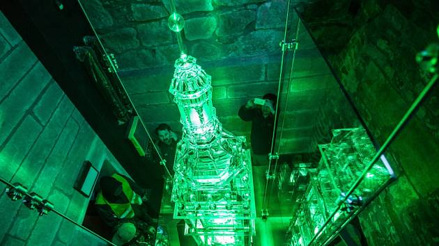 Skleněný model královéhradecké Bílé věže.