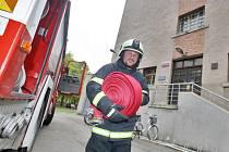 Cvičení hasičů u hradecké vazební věznice.