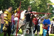Soutěže ve středověkém duchu provázely tradiční dětský den v Předměřicích n. L.