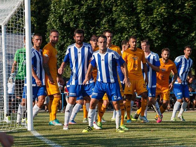 Fotbalový MOL Cup: SK Převýšov - FK Dukla Praha.
