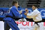 Mistrovství Evropy v judu v Praze - váhová kategorie do 66 kg - muži, 1. kolo: Pavel Petřikov (vpravo) a Strahinja Bunčič ze Srbska.