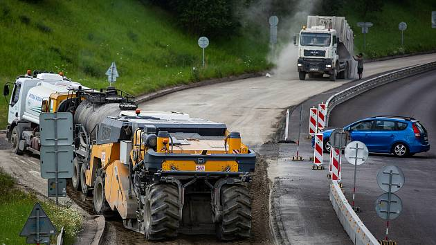Oprava silnice. Ilustrační foto.