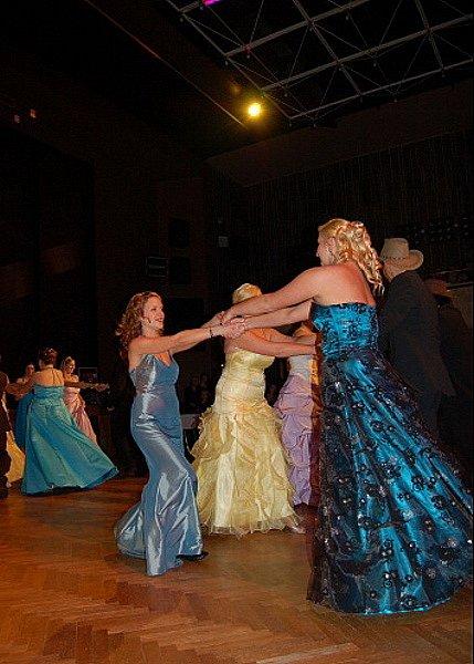 Tanec American square dances v podání třídy 4.BO.