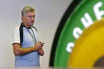 Hokejisté HC Moeller Pardubice na soustředění v Luhačovicích. Trenér Miloš Říha