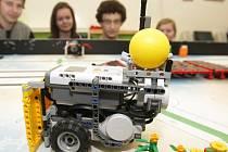 Robot ze stavebnice Lego v podání mladých hradeckých vědců.