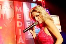 16. ročník Mediálního plesu moderovala herečka Kateřina Brožová.
