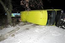 Havárie nákladního automobilu u Holohlav.