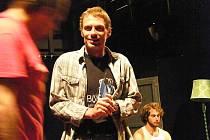 Jiří Zapletal (lichvář a všudybyl Šprich) a Jakub Tvrdík (hráč) v inscenaci Lermontovy Maškarády hlavní roli Arbenina.