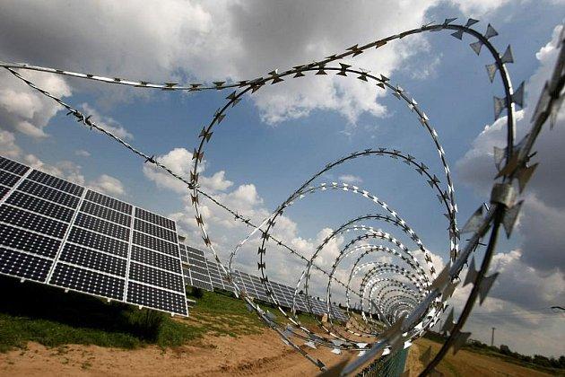 U Hradce Králové vyrůstá druhá solární elektrárna