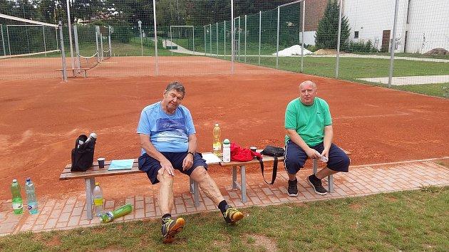 legendární hradecký trenér Jan Senecký + Škaloud.