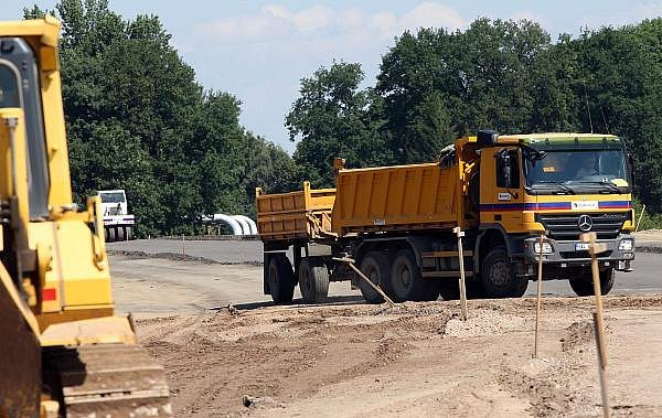 Výstavba obchvatu Opatovic.