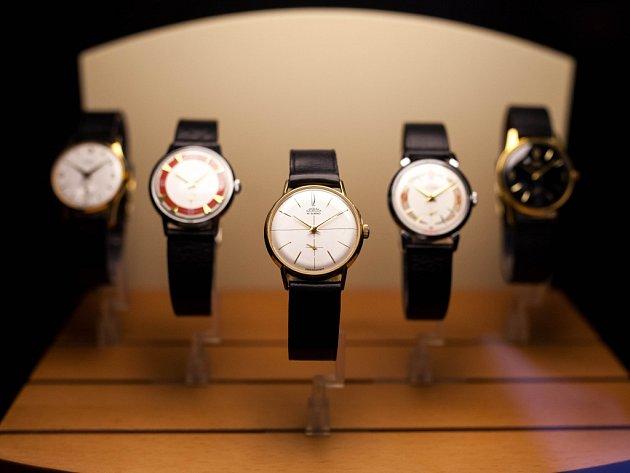 Z výstavy hodinek v Novém Městě nad Metují.