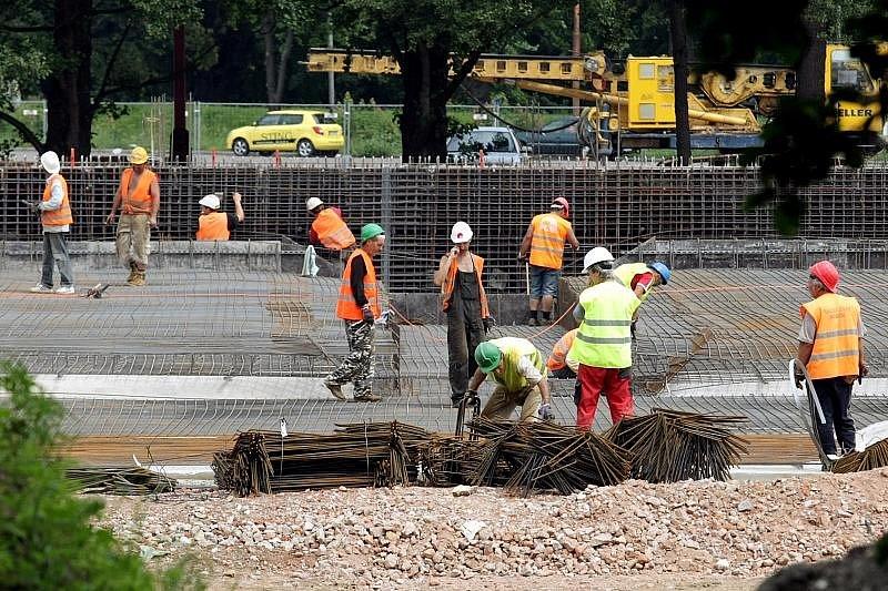 Stavba malšovického koupaliště, 13. července 2009.
