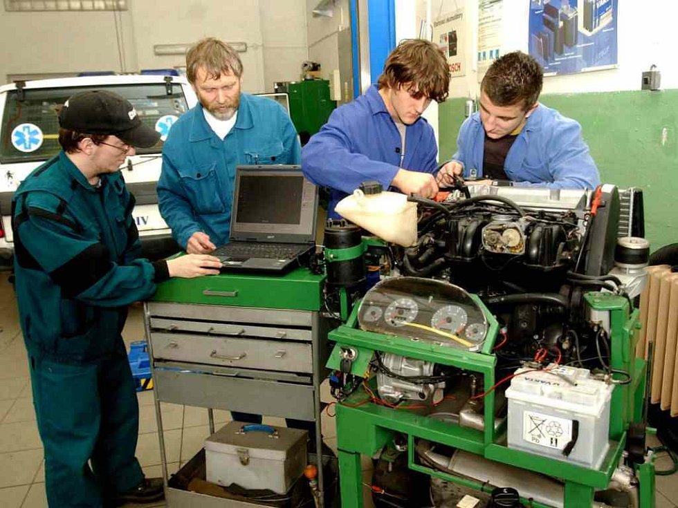 Budoucí řemeslníci - automechanici