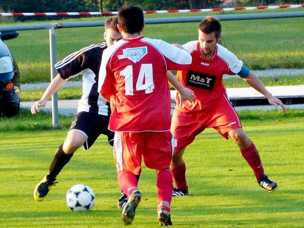 Krajská fotbalová I. A třída: TJ Start ZD Ohnišov - FC Nový Hradec Králové.