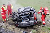 Smrtelná dopravní nehoda na silnici I/11 u obce Urbanice na Hradecku.