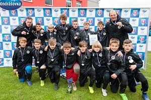 Hradecký fotbalový tým U13 skončil ve finálovém turnaji Ondrášovka Cupu druhý za pražskou Spartou.