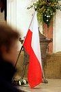 Věřící v královéhradecké katedrále Svatého Ducha uctili památku polské tragédie, pondělí 12. dubna 2010.