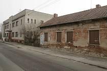Opuštěné domy v Honkově ulici v Hradci Králové.