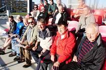 Účastníci semináře pro fotbalové trenéry z regionu.
