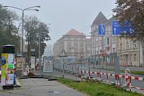 V ulicích Střelecká a Pilnáčkova v těchto dnech pracují silničáři na opravě takzvaných zálivů u autobusových zastávek.