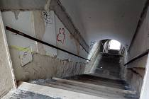 Bono Publico čeká na další fázi rekonstrukce. V první etapě bylo nutné zbavit zdivo vlhkosti.