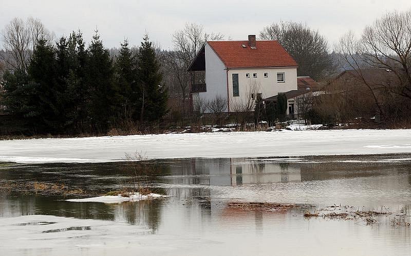 Záplavy v Nechanicích (leden 2011).