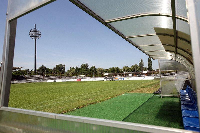 Všesportovní stadion v Hradci Králové čeká na rekonstrukci.