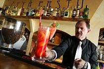 Barman Karel Zapalač.