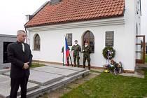 Připomínka dalšího výročí seskoku paravýsadku Barium ve Vysoké nad Labem.