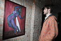 Expozice nazvaná 8. studentský salón na hradecké Bílé věži.