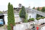 Požár střechy rodinného domu zavinila nedbalost.