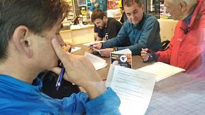 Redaktoři Deníku vyrazili s kandidáty na hejtmana Královéhradeckého kraje na předvolební debatu