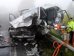 Tragický střet dvou osobních automobilů u Všestar.