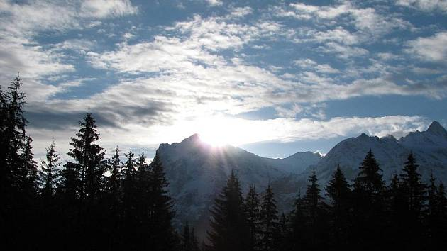 Dobrodružné cestování Luboše Holečka po švýcarských Alpách.